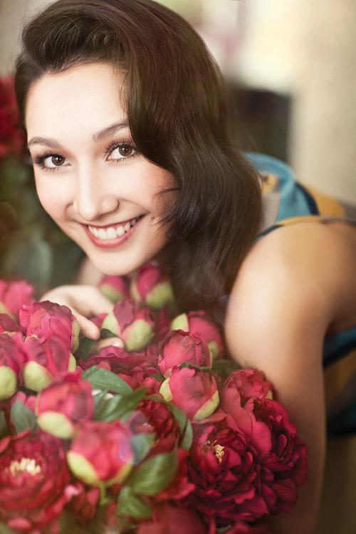 """Ngắm """"bông hồng lai"""" Anna Trương xinh tươi với đôi má lúm 5"""