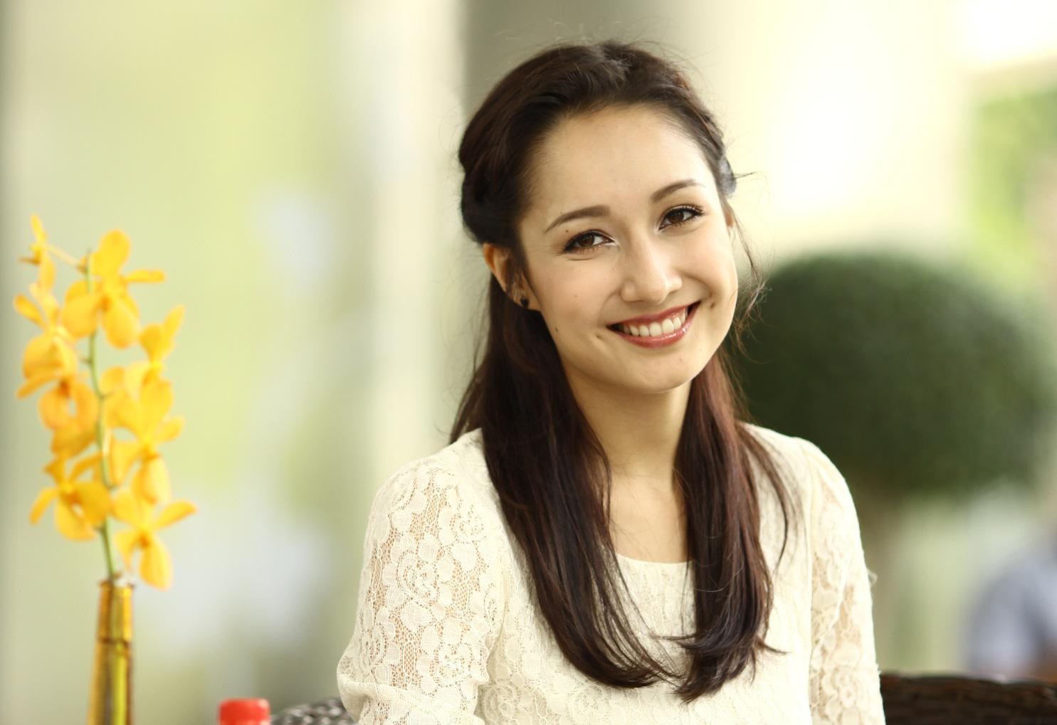 """Ngắm """"bông hồng lai"""" Anna Trương xinh tươi với đôi má lúm 6"""