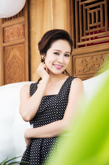 Những sao Việt thành công với đôi má lúm đồng tiền 1