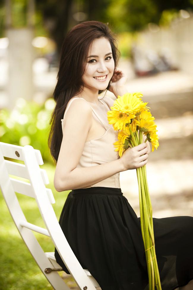Những sao Việt thành công với đôi má lúm đồng tiền 3